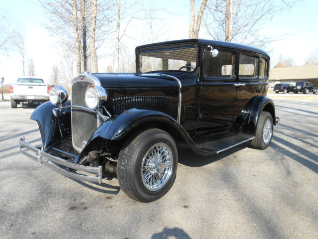 1930 dodge sedan hot rod powered by a 327 cu in v 8 chevy for 1930 chevy 4 door sedan