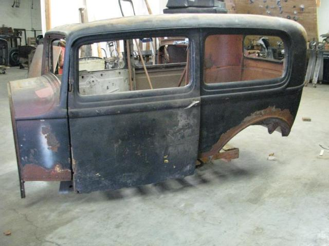 1932 ford 2 door sedan body for sale in knoxville for 1932 ford door hinges