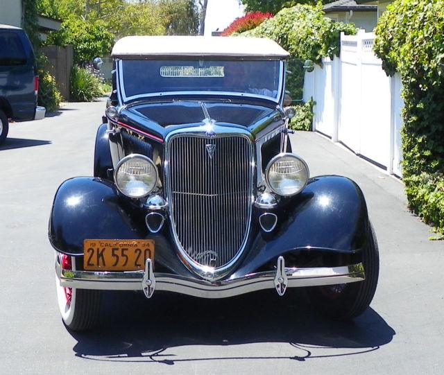 1934 Ford Flat Head 21 Stud V8 Rumble-Seat Roadster