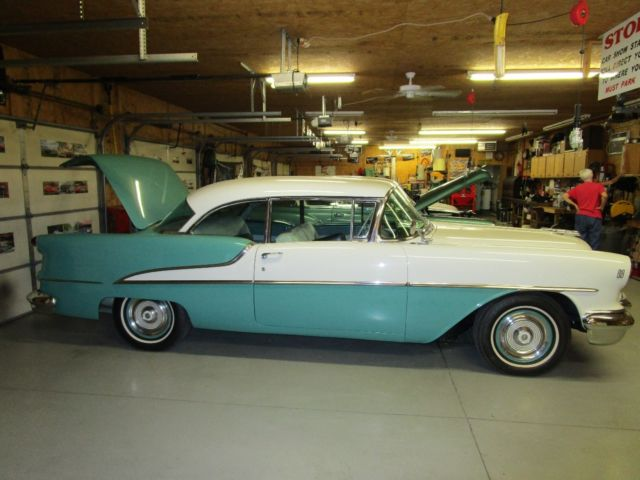 1955 Oldsmobile Rocket 88 Holiday Hardtop for sale in