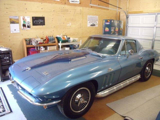 1966 Corvette Stingray fastback coupe, 427 big block Vette