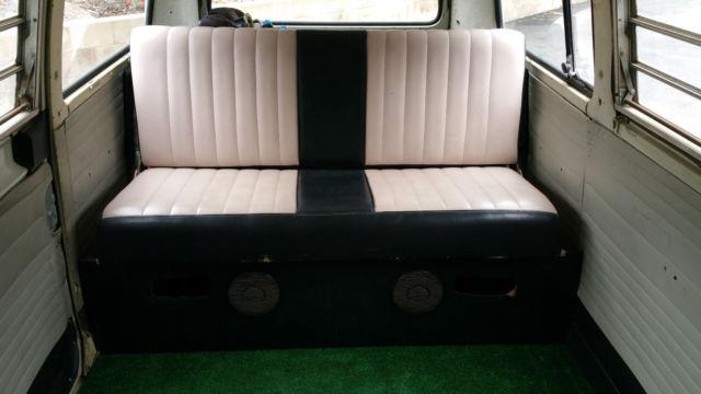 1971 Volkswagen Bus Vanagon With Westfalia Rear Seat Bed