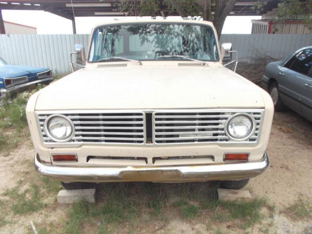 1972 International Harvester Travelall Plus Parts Vehicle