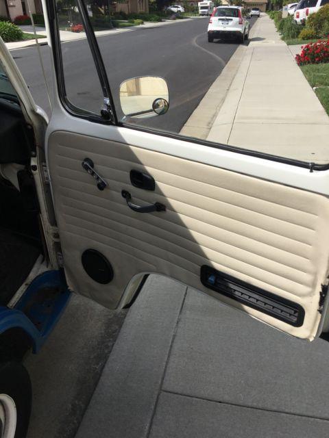 1975 Volkswagen VW Blue Bus Camper ***NO RESERVE*** for ...