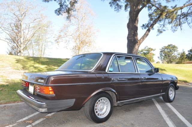1979 Mercedes Benz 240D Factory replacement engine, RESTORED