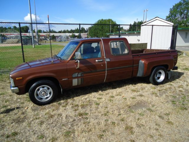 1979 toyota pickup sr5 extra cab extended cab sunrader dually 2 2 brown 20r for sale in puyallup. Black Bedroom Furniture Sets. Home Design Ideas