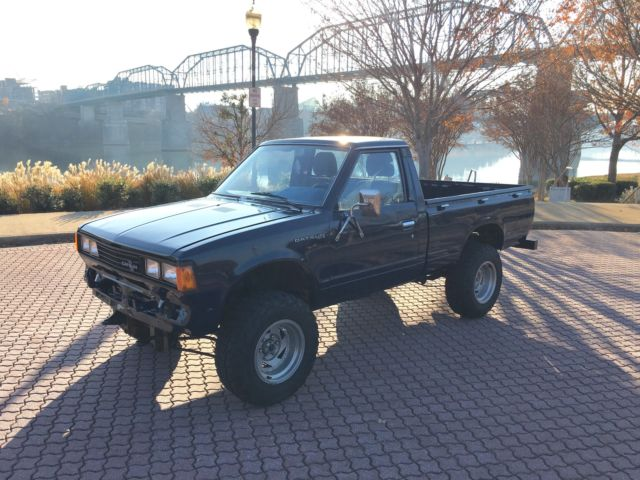 1980 Nissan Datsun 720 4wd 4x4 Vintage Classic Truck For