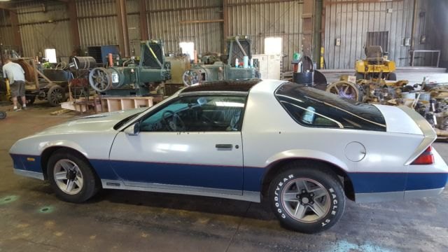 1982 chevy camaro z28 indy 500 pace car for sale in great. Black Bedroom Furniture Sets. Home Design Ideas
