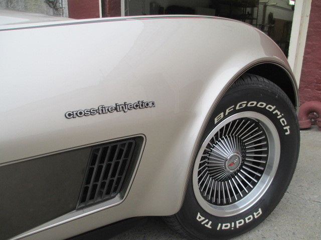 1982 corvette collectors edition for sale in ozone park new york united states. Black Bedroom Furniture Sets. Home Design Ideas