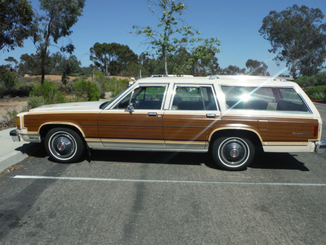 1982 ford crown victoria country squire lx station wagon for sale in san diego california. Black Bedroom Furniture Sets. Home Design Ideas