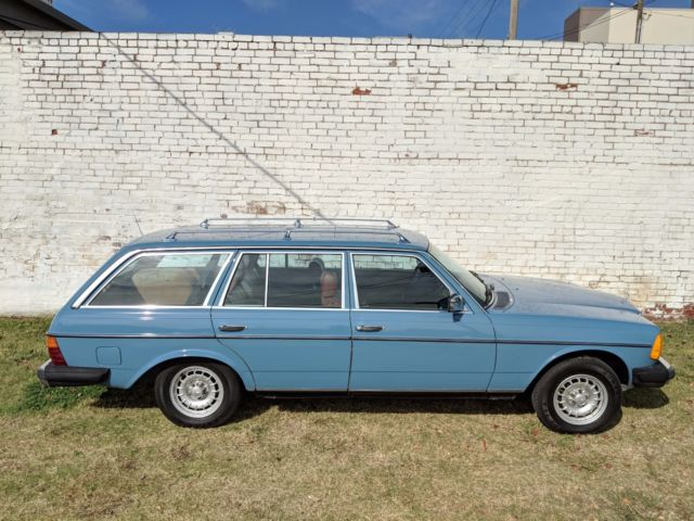 1982 mercedes benz 300td diesel station wagon china blue 3rd row seat for sale in tulsa. Black Bedroom Furniture Sets. Home Design Ideas