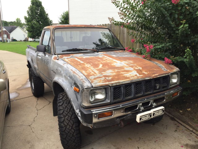 1983 toyota pickup 4x4 22r 4 39 cyl 79k sun roof original miles for sale in spring hill tennessee. Black Bedroom Furniture Sets. Home Design Ideas