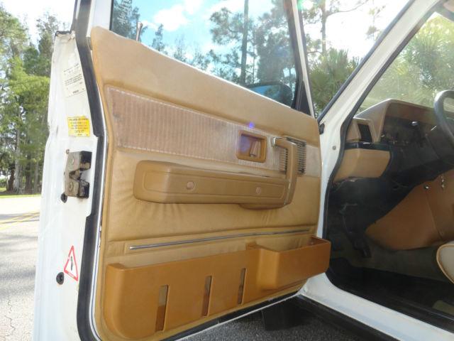 1983 Volvo 240    245 Glt Turbo 4 Speed Manual Wagon