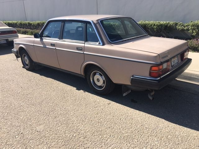 1985 volvo 240 dl runs great clean california title for sale in upland california united states. Black Bedroom Furniture Sets. Home Design Ideas