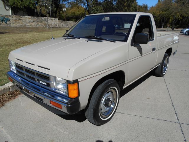 1986 hardbody d21 pickup for sale in dallas texas united. Black Bedroom Furniture Sets. Home Design Ideas