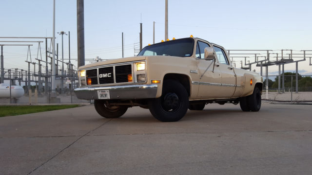 1988 GMC R30 Crew Cab square body Dually 3+3 for sale in Wylie