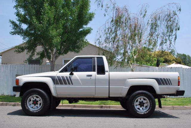 1988 toyota pickup 4x4 v6 sr5 for sale in temple city. Black Bedroom Furniture Sets. Home Design Ideas