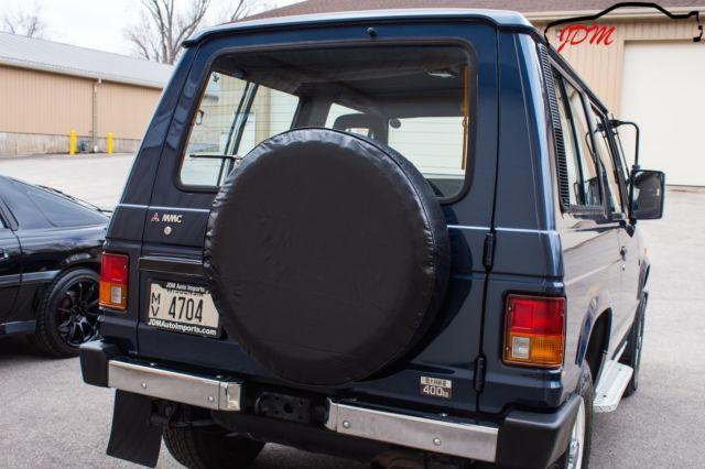 1990 mitsubishi pajero xl turbo diesel 4x4 5 speed right. Black Bedroom Furniture Sets. Home Design Ideas