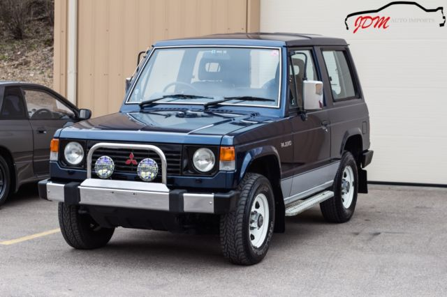 1990 mitsubishi pajero xl turbo diesel 4x4 5 speed right hand drive jdm import for sale in. Black Bedroom Furniture Sets. Home Design Ideas