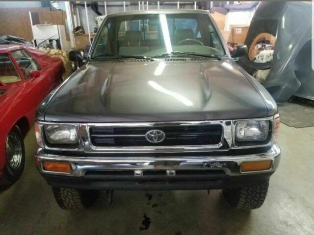 1993 Toyota Tacoma Pickup Truck 22r 22re T100 4x4 5 Speed