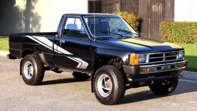 caliornia original 1988 toyota pickup 4x4 hilux 132k. Black Bedroom Furniture Sets. Home Design Ideas