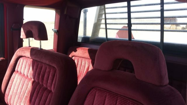 Chevrolet 2500 With Bale Bed 4 X 4 Low Reserve For Sale In