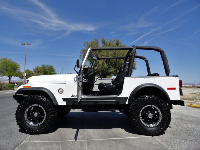 JEEP CJ7 - RESTORED - V8 POWER - 4 SPEED - ROLL CAGE - PS - PB SEE