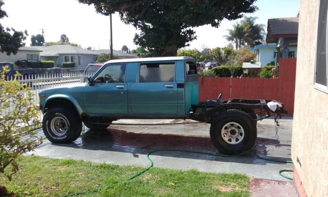Toyota Pick Up Truck Hilux Double Cab Landcruiser Tacoma