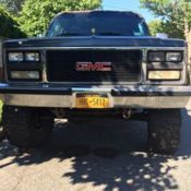 Lifted GMC Suburban 4x4 - rare find in this incredible